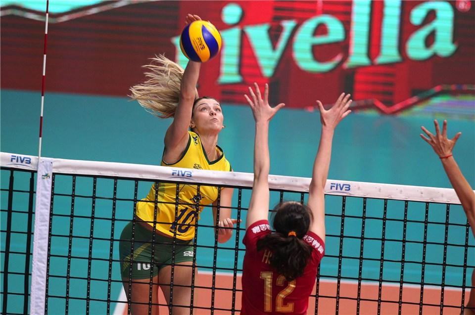 Brasil estreia com derrota no Torneio deMontreux
